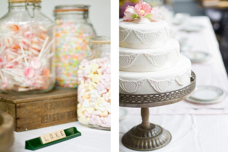 taart op standaard en scrabble bordje met candy buffet