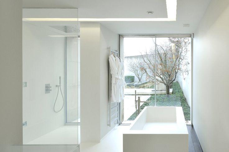 Possibilité d'ajout de baignoire et de receveur de douche dans les chambres d'hôtel.