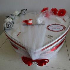 Urne de mariage en forme de coeur sur le thème rouge et argent + satin