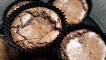 Underbara kladdiga, lite sega kladdmuffins! Variera dem som du vill genom att tillsätta t.ex. choklad eller kola.