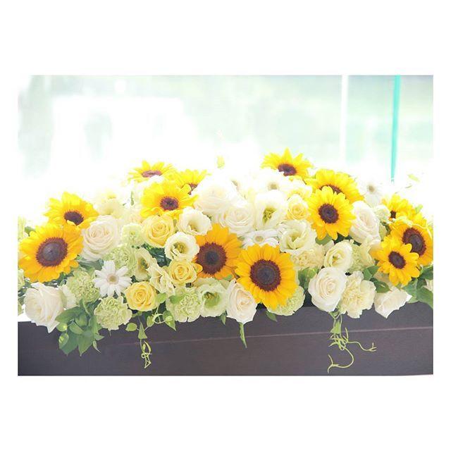 . . キラキラ輝くひまわり 暑い夏の結婚式にはぴったりのお花! . #flowerwalkpopo #富山県 #結婚式 #ウェディング #結婚式準備 #プレ花嫁 #花嫁準備 #オリジナルウェディング #テーマウェディング #夏 #サマーウェディング #ひまわり #キャナルサイドララシャンス #ララシャンス #メインテーブル #メイン装花 #花屋 #花 #ブライダル #weddingflowers #wedding #bride #bridalflowers #bridal #instflower #flowerstagram #flowerpic #sunflower