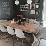 Improviseren in de eetkamer  why not Extra zitplaatsen creer je met een bank aan een zijde van de tafel Wat vind jij mooi of niet mooi interieurinspiratie interieur pinterest eetkamer