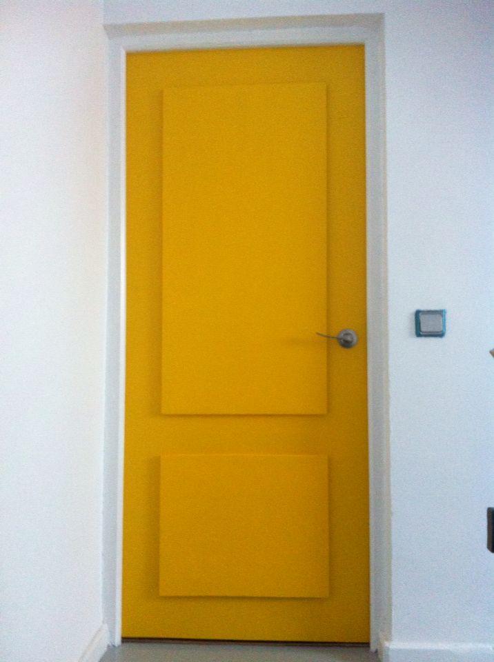 Vista frontal, puerta.