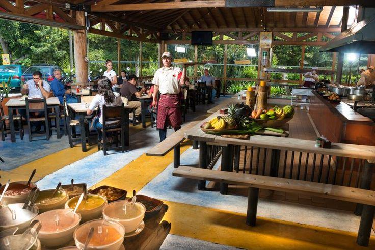 Contamos con espacios cómodos, amplios y un ambiente muy familiar.  http://www.elrancherito.com.co/