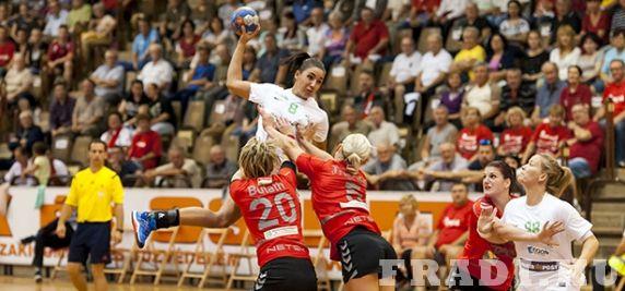 DKKA-FTC 29-29 - Küzdelmes és paprikás hangulatú mérkőzésen ért el döntetlent Dunaújvárosban női kézilabda-csapatunk.