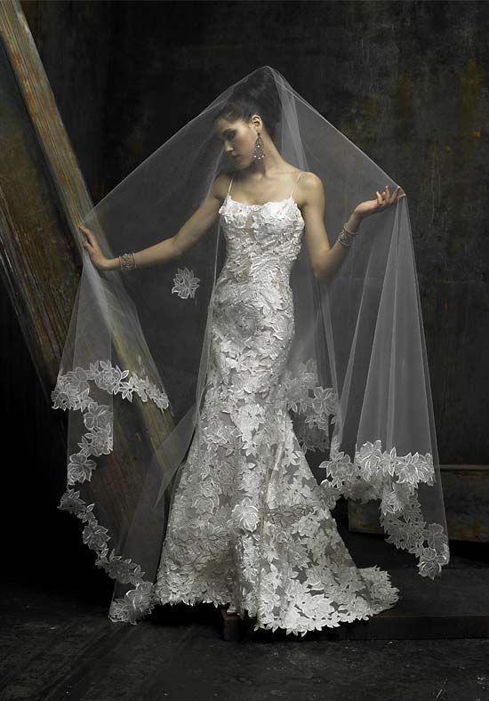st pucchi wedding dresses - Not sure about the veil being so long, but I love the dress.