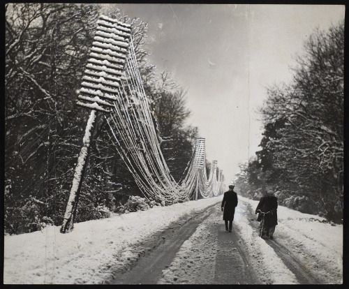 Keystone View Company, , 0 - 0A snowstorm has raged along the southcoast.unknownGelatin silver printAnonymous Gift, 2008© 2015 Art Gallery of Ontario