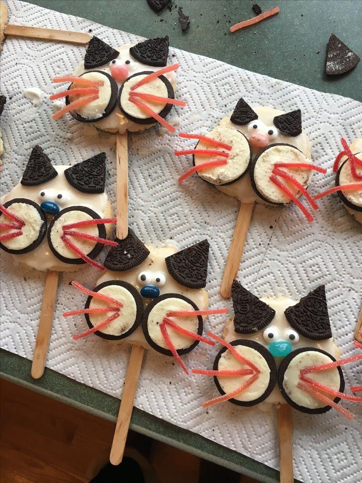Kitty cat treats for birthday! Cat treats, Sugar cookie