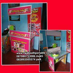 booth portable bisa untuk jualan apapun dan dimanapun :D www.rajaboothportable.com