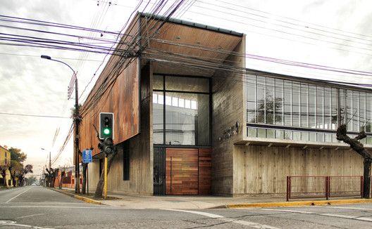 Edificio Administrativo Curricular Liceo María Auxiliadora,Cortesía de Surco Studio