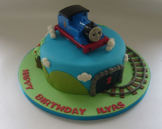 Cake Decorations Thomas The Tank Engine : 25+ best ideas about Thomas the tank cake on Pinterest ...