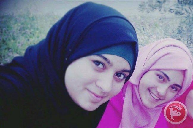 Gadis Palestina Ini Ditembak Diculik Lalu Divonis 15 Tahun Penjara  Foto: Maan  RAMALLAH Selasa (PIC | Maan News Agency): Pengadilan militer Israel Ofer memvonis gadis Palestina berusia 15 tahun Natali Shoukha satu setengah tahun penjara. Demikian ungkap Lembaga Tawanan Palestina (PPS) kemarin (19/12). Pengacara PPS Akram Samara menyatakan bahwa Pengadilan Ofer memvonis Natali Shoukha satu setengah tahun penjara atas dakwaan percobaan penikaman terhadap seorang serdadu Zionis di pos…