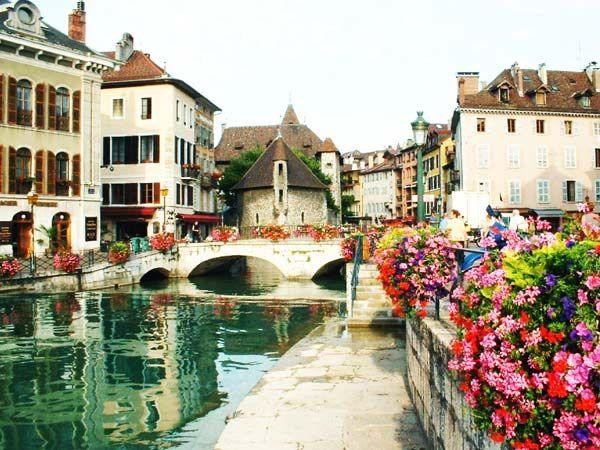 Annecy, France. Market Day in Annecy: http://www.europealacarte.co.uk/blog/2010/06/25/best-market-in-france-annecy-market/