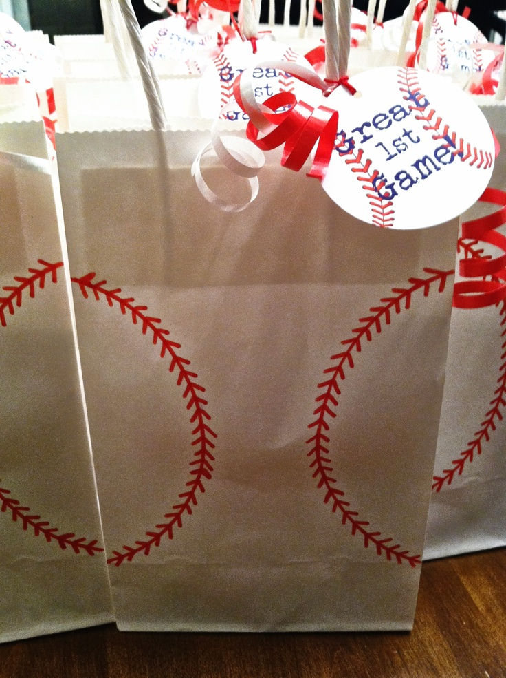 Baseball party favors bags,white paper bags and red paint (piñata ...