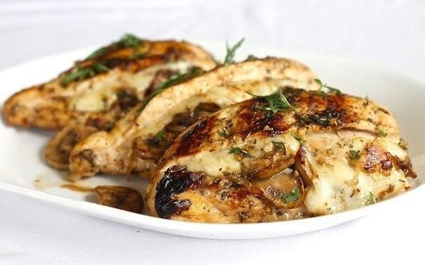 CHICKEN STUFFED WITH MUSHROOMS AND CHEESE