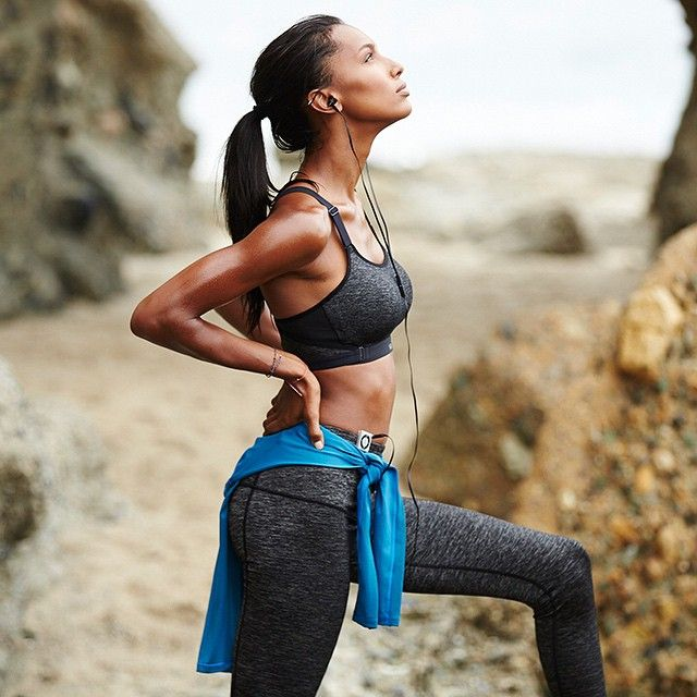 From beach run to bootcamp, this maximum-support sport bra's got your back. | The Ultimate by Victoria's Secret Cross-train Sport Bra