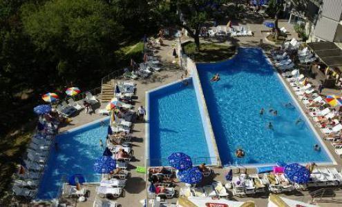 Cazare Hotel Slavey 4*, Nisipuri de Aur, preţuri camere, localizare hartă   Agenţia de turism EnjoyTravel Chişinău, Oferte de vacanță, Bilete de avion