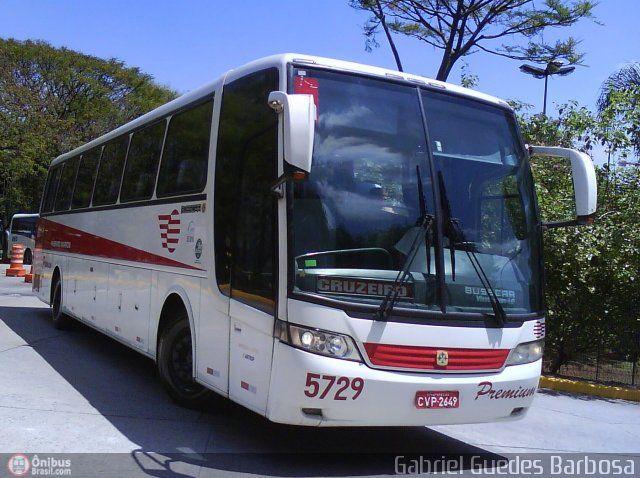 Ônibus da empresa Empresa de Ônibus Pássaro Marron, carro 5729, carroceria Busscar Vissta Buss LO 2001, chassi Mercedes-Benz O-500RS. Foto na cidade de São Paulo-SP por Gabriel Guedes Barbosa, publicada em 21/10/2010 23:54:10.