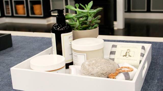 Les 21 meilleures images propos de d co id e d co action sur pinterest sprays fils et ruban - Plateau salle de bain ...
