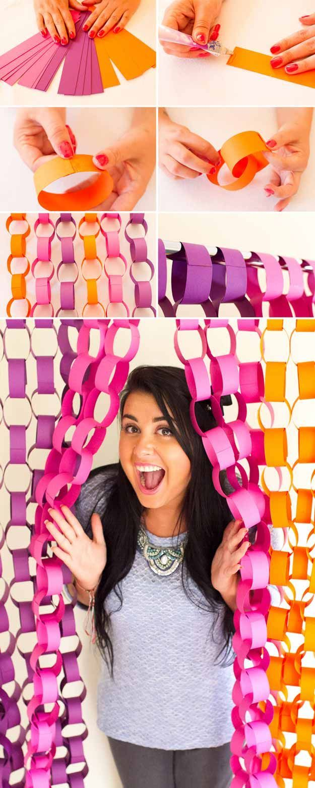 Simple and Easy DIY Backdrop Photo Booth Idea   DIY Paper Chain Backdrop by DIY Ready at http://diyready.com/20-diy-photo-booth-ideas/