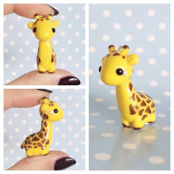 Cette liste est pour le charme dune girafe super mignon avec le style accessoire de votre choix.  La cutie est idéale comme pendentif, charme