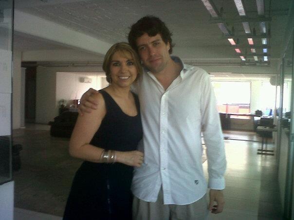 """Con Norma Ruvalcaba (Mujer al Aire de OchoTv Gdl) ...el 15 de abril de 2010 fue la primera vez que iba como invitado a un programa de tv y ella era la conductora, de hecho la primer foto de """"personajes"""" es con ella y Julia,buena vibra!!!"""