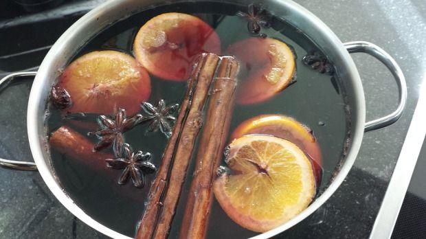 Aszalt gyümölcsös forró vörösbor