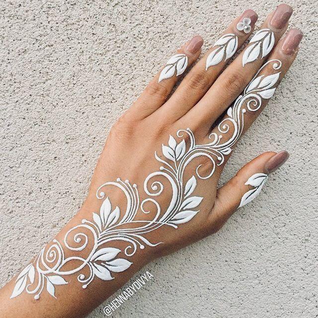 Beautiful White Henna Design Beautiful Corenne Design Henna White Henna Tattoo Designs White Henna Designs Henna Tattoo Hand