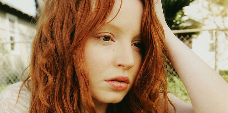 Lauren Ambrose as Claire Fisher :: 6 Feet Under