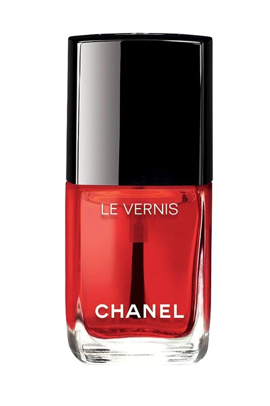 Le Vernis Nail Gloss in Rouge Radical: We love this see-through, glossy red nail polish that offers just a hint of color while remaining transparent, resulting in a simple manicure both easy and elegant.