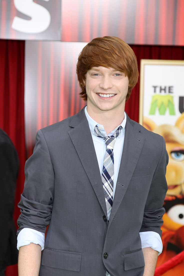 Calum Worthy. I kno he plays a kid on Austin & Ally... But he is gorgeous and so funny!!