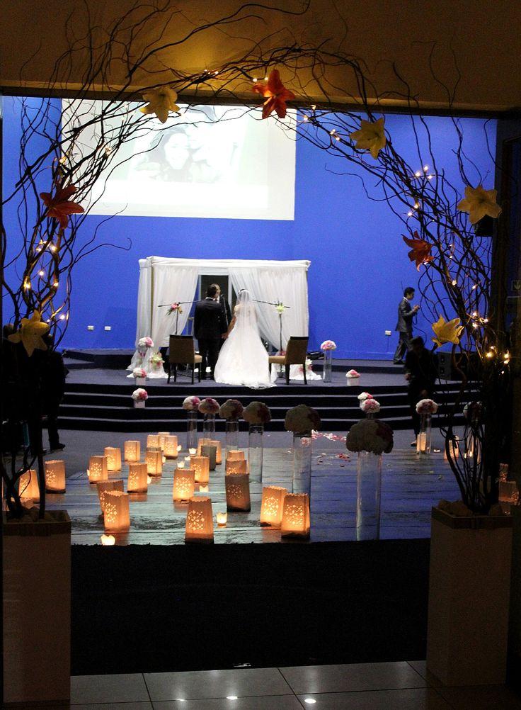 Vista general ceremonia religiosa.