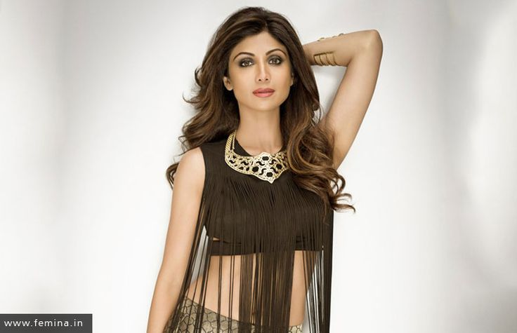 The Man Behind Shilpa Shetty's Fit Body Post Her Pregnancy Spills It All #bollywood #actress #celebrity #yoga #yogi #body #exercise #fit #toned #stretch #marks #workout #gymming #gym #pregnancy #pregnant
