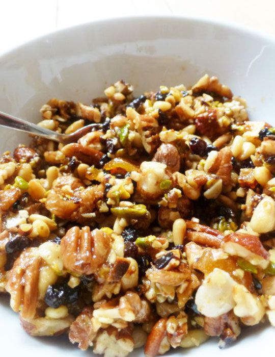 The great thing about making muesli at home is that it has so many good qualities beyond its amazing flavors: unprocessed, unsweetened, packed with fibers, you control 100% of what you put in it, f...