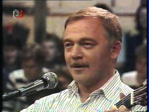 Karel Kryl v literarnom pásme Slovíčka - 1994 - YouTube