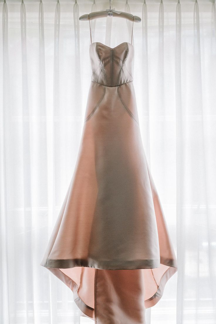 Tendance robe de mariée structured blush wedding dress