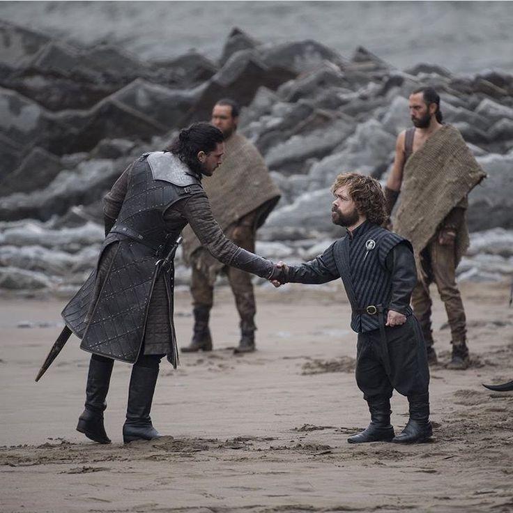 Jon Snow and Tyrion Lannister., Game of thrones season 7, Kit Harington, Peter Dinklage