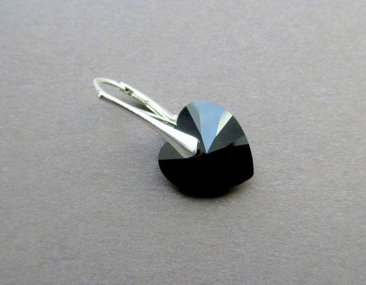 Sterling zilveren swarovski oorbellen met mooie zwarte jet hartjes
