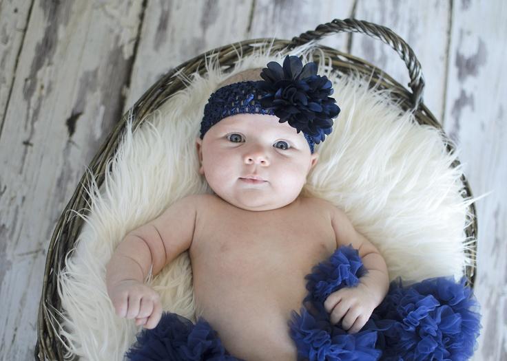 Newborn photoshoot in navy pettiskirt