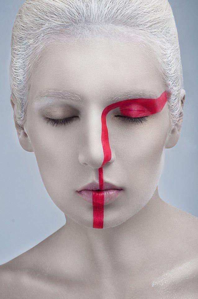 Refe make up linea combinar con make up con mancha en ojo