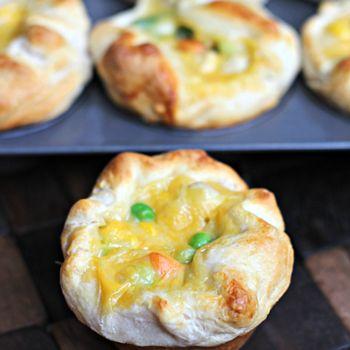 Cheesy Chicken Pot Pie Puffs