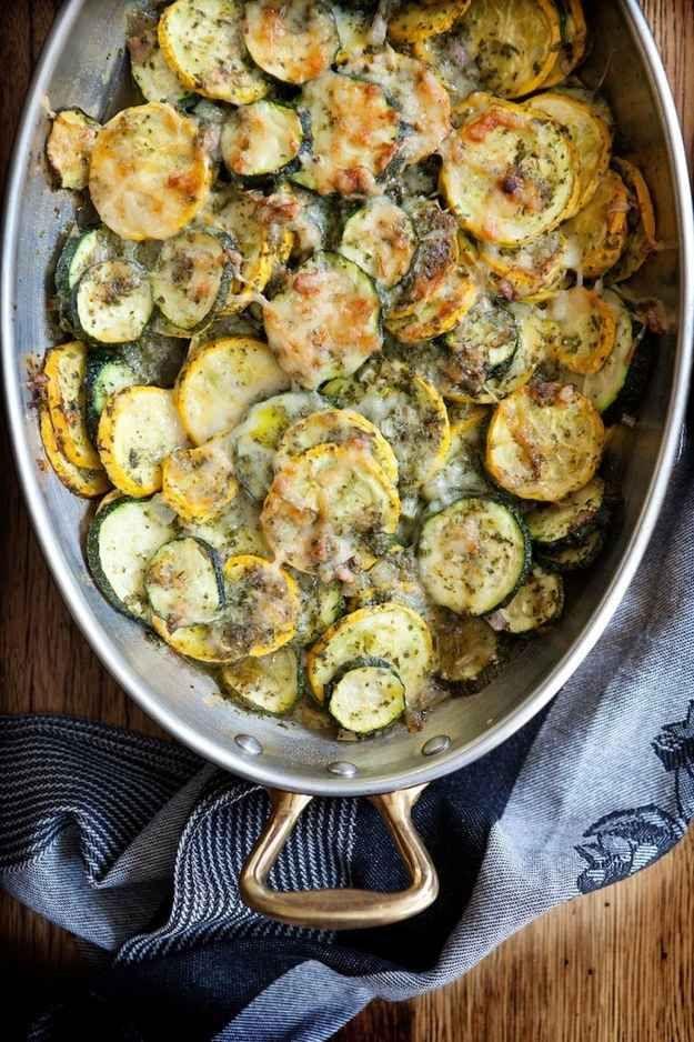 Zucchini-Reis-Gratin mit Salsa Verde