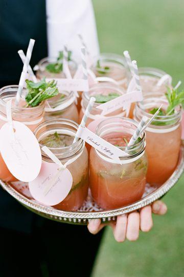 Mason jar drinks for wedding - mason jar lemonade (photo by Adam Barnes)