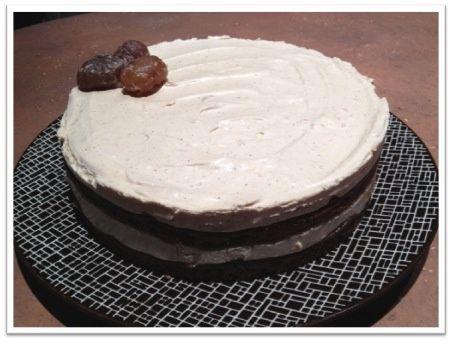 """Je cherchais un gâteau d'anniversaire et en feuilletant mes livres, je me suis arrêtée sur cette recette de Marronnier issue du Livre """"Pâtisserie"""" de Christophe Felder. Ultra léger, moelleux, une délicieuse et douce saveur de marrons,... un vrai bonheur..."""