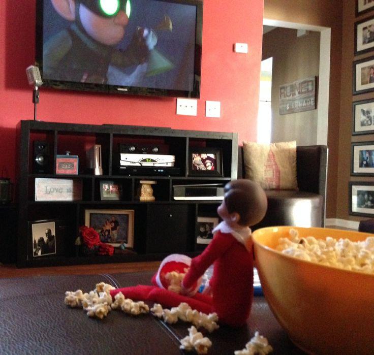 He found the popcorn #elfontheshelf