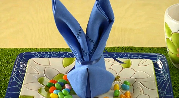 17 best images about creative napkins on pinterest rose buds dinner jackets and father 39 s day - Fold bunny shaped napkin ...