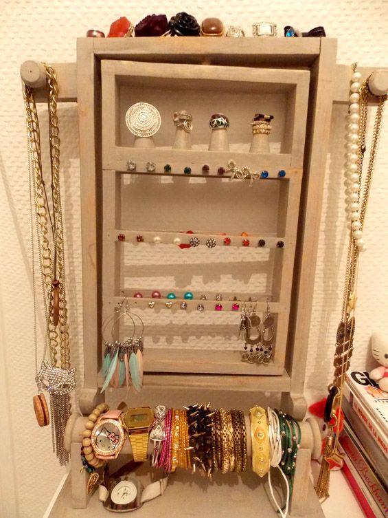 Les 18 meilleures images propos de bijoux astuces rangement sur pinterest rangement de - Presentoire a bijoux ...