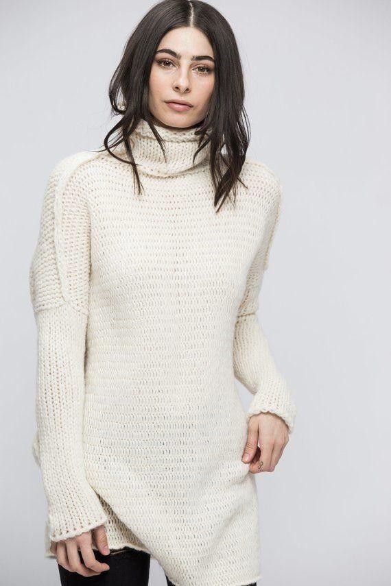 98841643e Oversized Chunky knit alpaca woman sweater. Off white knit sweater ...