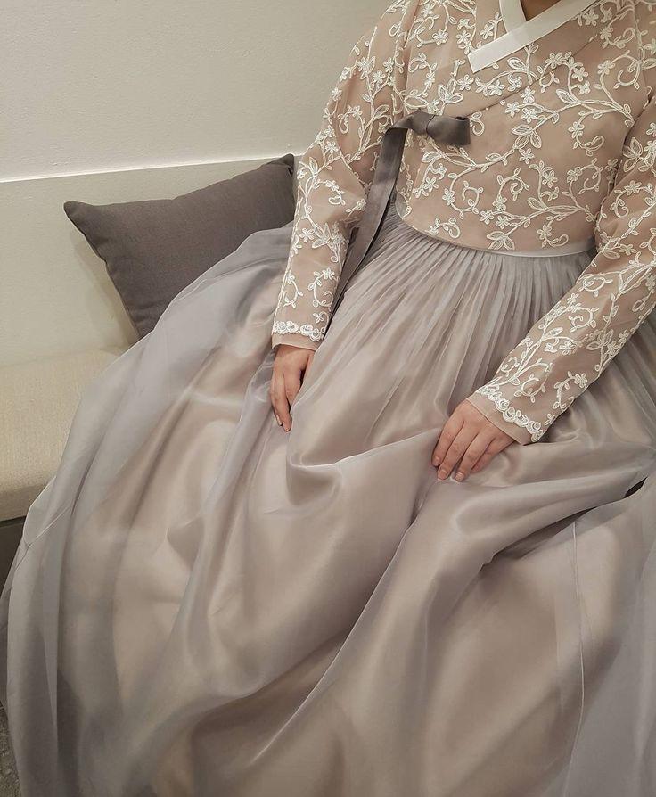 ㆍ ㆍ #더단스타일#결혼한복 #레이스한복#웨딩한복 #고급한복#한복맞춤 #청담한복#한복#모던 #데일리#퓨젼#한복입기 #한복더단#예식 #주말여행#더단 #beautiful #dresses #more #korea  ㆍ ㆍ