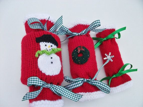 Knitting Patterns For Christmas Brooches : Knitting Pattern Christmas crackers in 3 sizes Knitting patterns, Knitting ...
